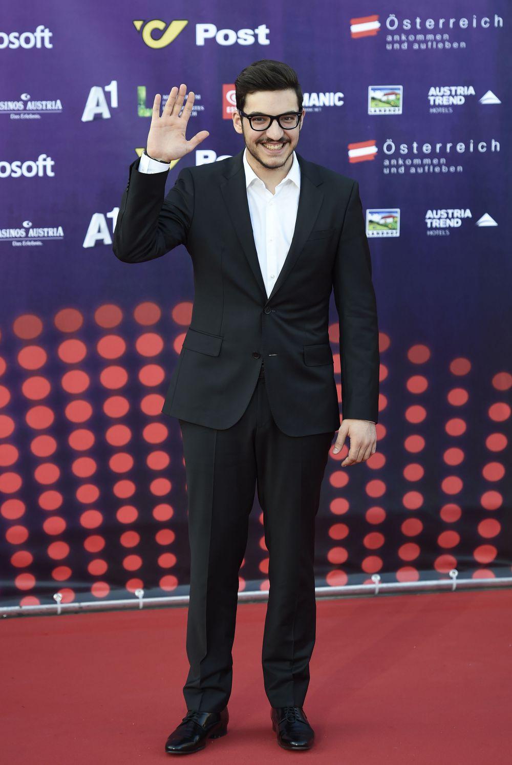 Яннис Караяннис, представляющий Кипр.