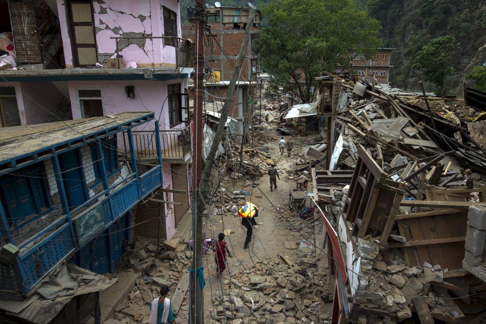 Правительство заявило, что только на первую фазу восстановительных работ потребуется 2 миллиарда долларов, что не в состоянии обеспечить бюджет страны, из него на настоящий момент выделено около 200 миллионов. Размер затрат на полное восстановление озвучат после того, как будет завершен финальный анализ ущерба, нанесенного землетрясением.