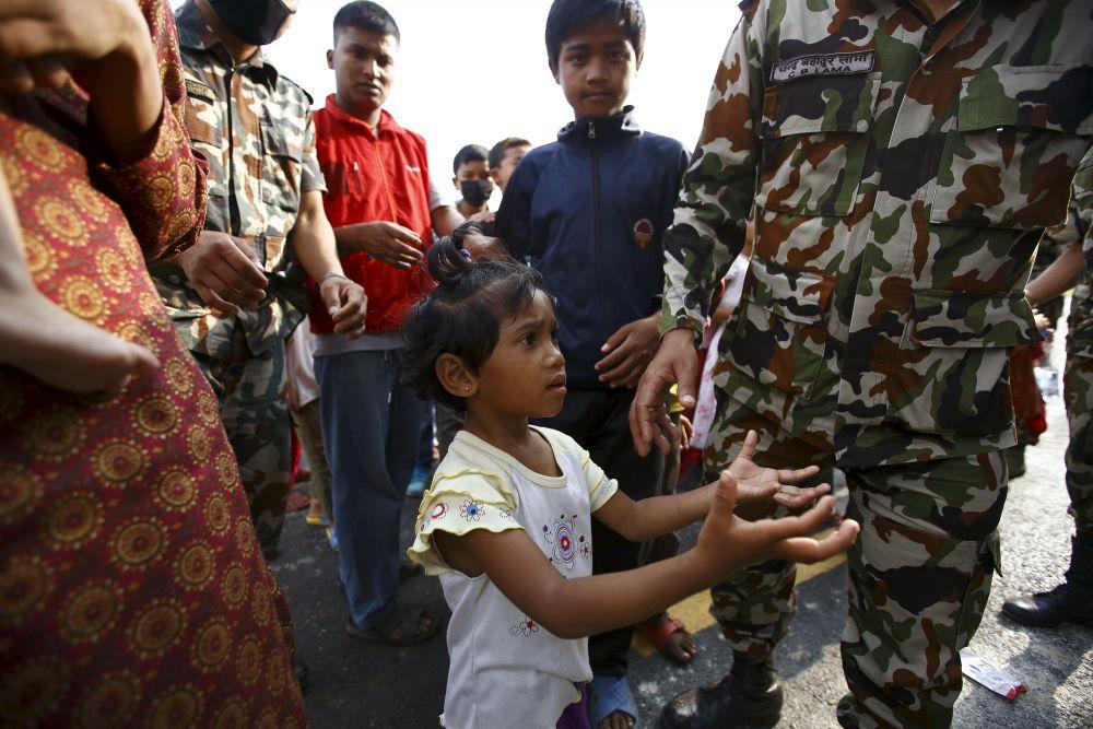 Последствия серии землетрясений в Непале были настолько разрушительны, что помощь международного сообщества может требоваться республике еще не один год.