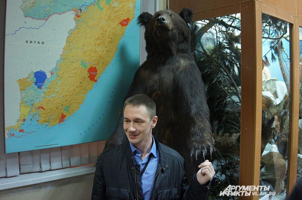 Какой же русский откажется сфотаться с медведем?