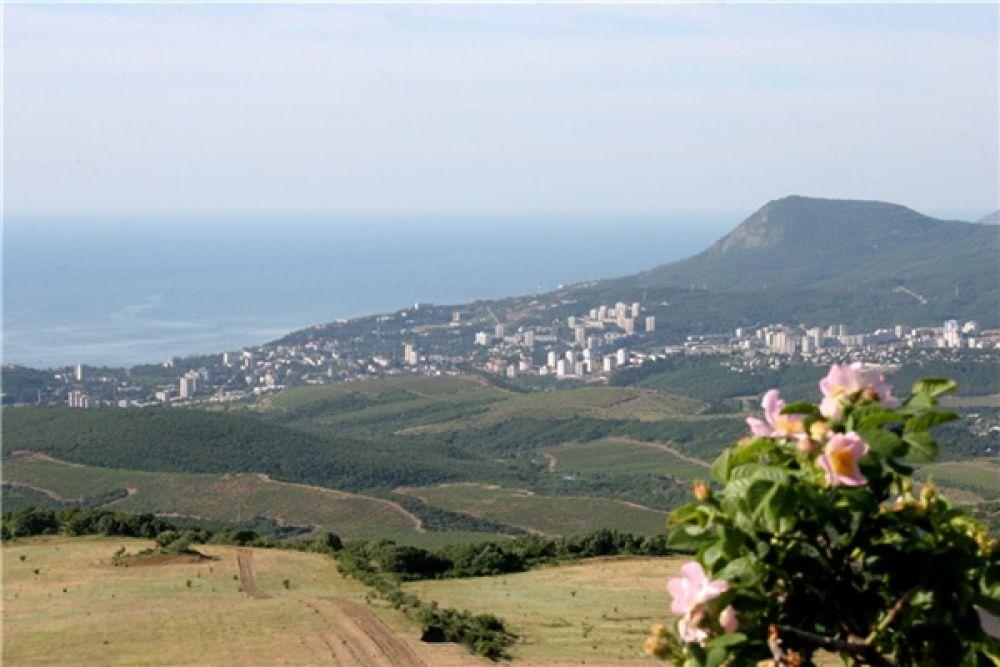 Алушта. Город на южном берегу Крыма
