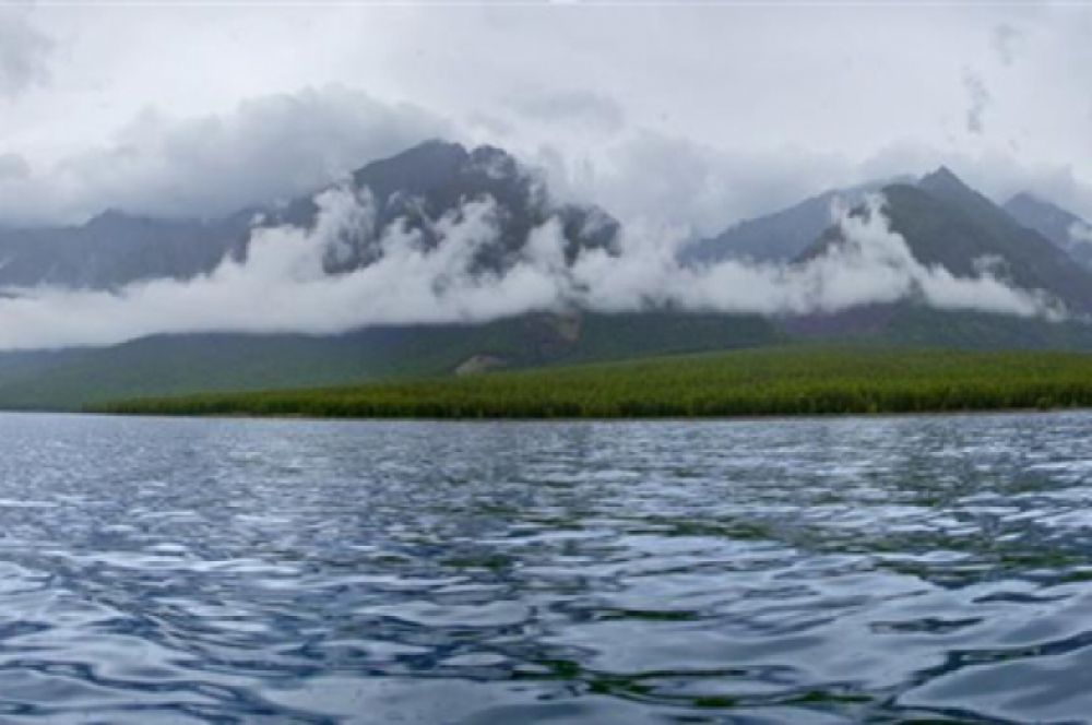 Байкал - самое глубокое озеро на Земле. Поселок Листвянка (Иркутская область)