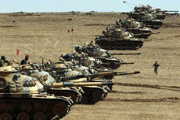 Эксперты определили армию Турции на 10 место. Они объяснили это тем, что страна активно взялась за модернизацию военной промышленности, что связано с угрозой ИГИЛ. В Турции активно обновляется флот, увеличивается количество танков и личного состава.