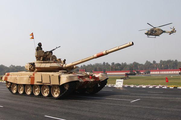 Индия оказалась на четвертом месте в основном благодаря развитой военной промышленности и большому количеству личного состава вооруженных сил (1 325 000 человек). Страна также располагает мощной военной авиацией, бронетанковой техникой и военно-морским флотом.