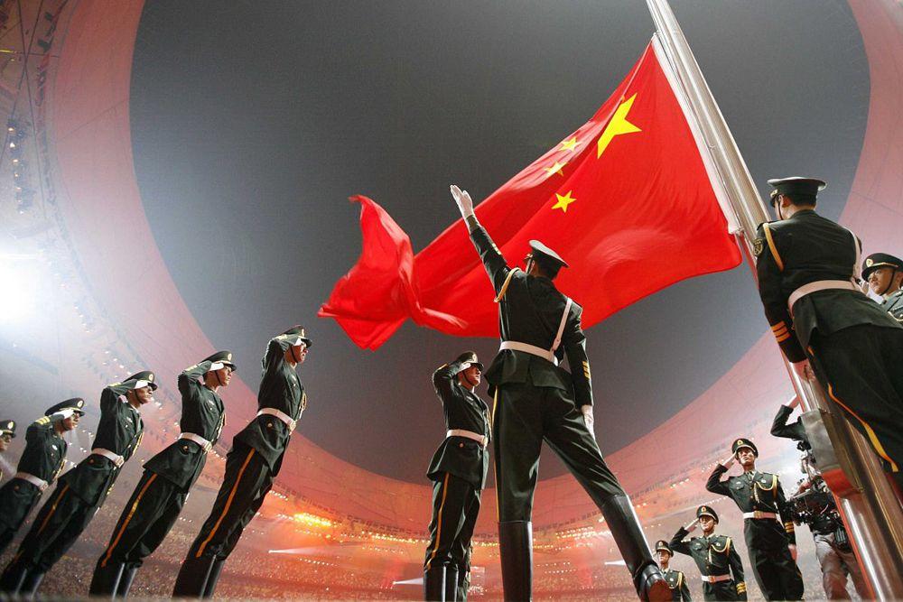Китай - на третьем месте. Страна имеет второй по величине военный бюджет ($145 млрд), третий по величине парк военных самолетов (2 860), второй по величине танковый состав и наибольшее в мире количество военнослужащих (2 333 000 человек).