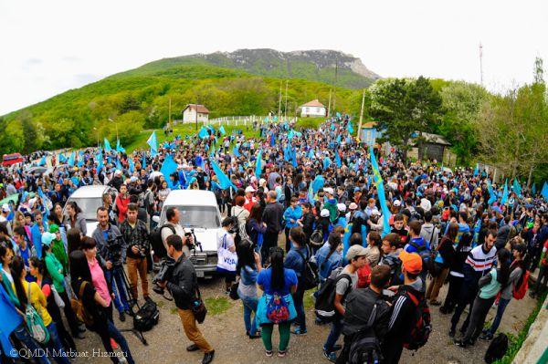 Мероприятия ко Дню памяти жертв депортации начались  16 мая традиционным восхождением крымскотатарской молодёжи  на Чатыр-Даг.