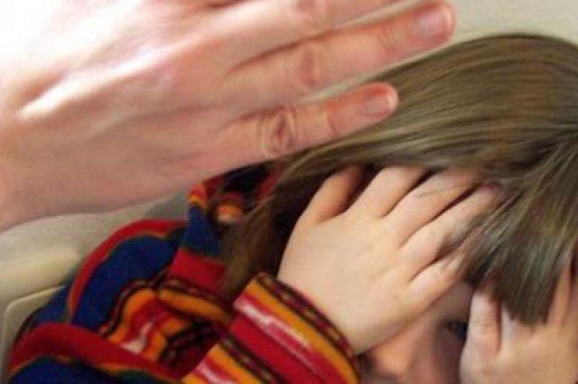 ВЮжноуральске многодетную мать будут судить заизбиение 5-летней дочери