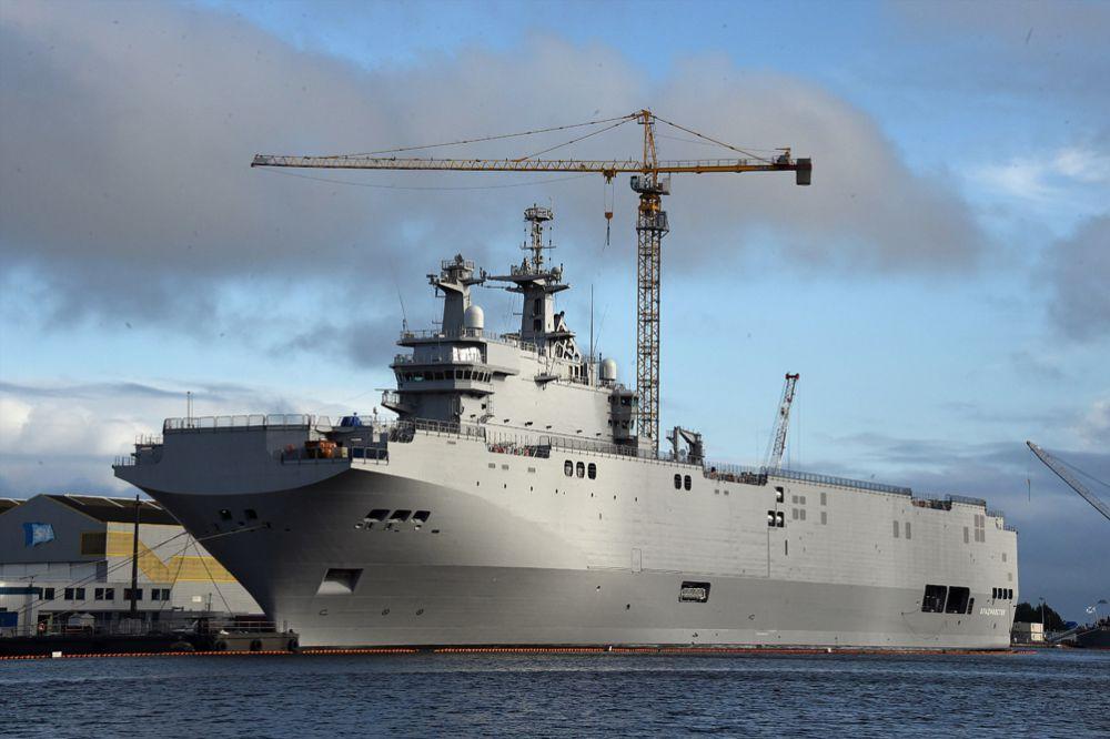 Так, в середине мая появилась информация, что отмена сделки по поставке России двух вертолетоносцев класса «Мистраль» может обойтись французской казне в пять миллиардов евро.