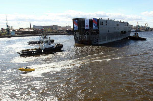 Также Мариани отметил, что корабли можно использовать и для эвакуации европейцев из стран Средиземноморья, если там возникнет кризисная ситуация. Экс-министр считает, что проблемы в том, чтобы найти деньги на два корабля типа «Мистраль», нет.