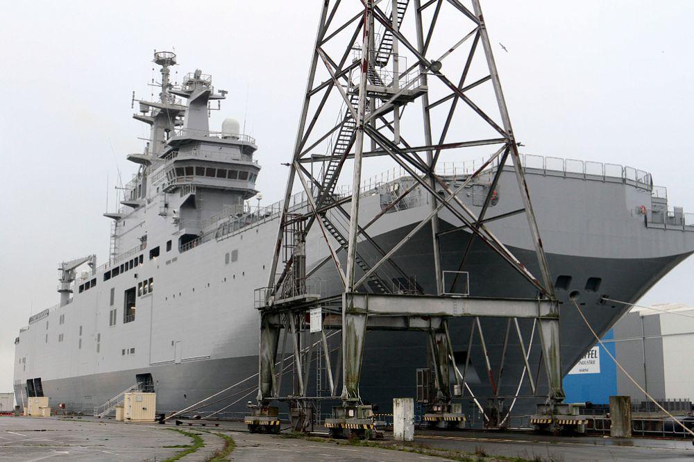 Так же в прессе появлялась информация о том, что Франция может продать корабли Китаю. Однако вице-премьер РФ Дмитрий Рогозин заявил, что продажа военных кораблей третьей стороне без согласия России невозможна.