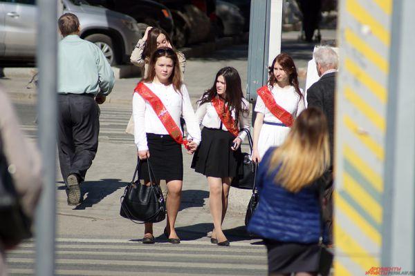 После «Последних звонков» выпускники начнут готовиться к сдаче Единых государственных экзаменов.