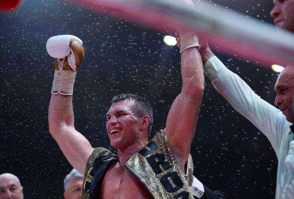 Григорий Дрозд в поединке против Яника отстоял свой чемпионский пояс