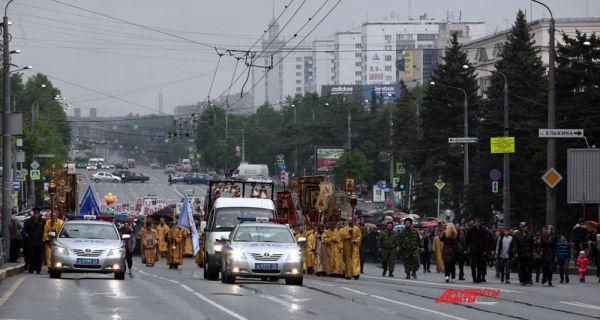 Крестный ход на пр. Ленина
