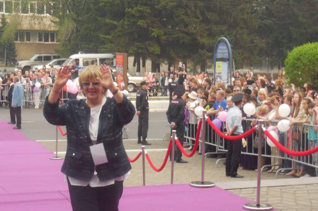 Сценарист и режиссёр Лидия Боброва - на багуловой дорожке в Чите.