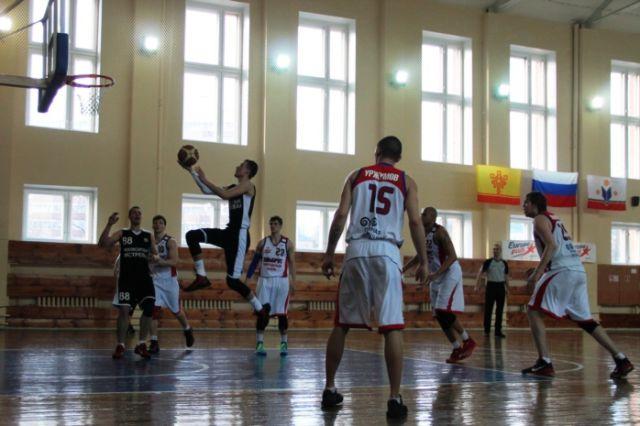 Губернатор встретился с баскетболистами клуба «Новосибирск»