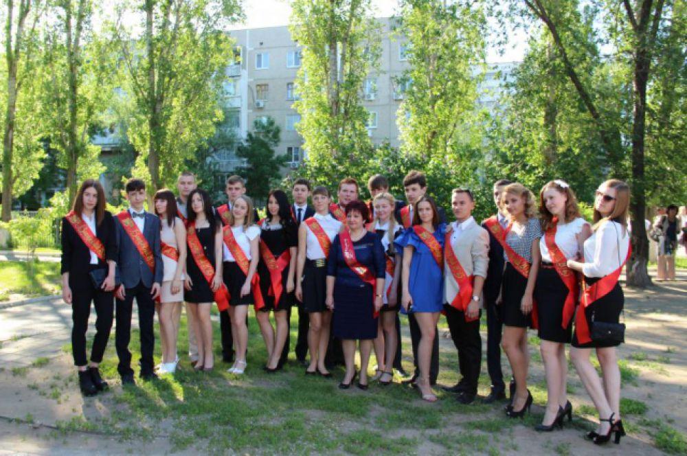 Гимназия «Юнона», 11а класс. Впереди - выпускные экзамены.