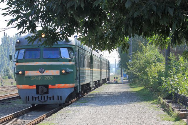 Электропоезда омской области будут ездить по летнему расписанию.