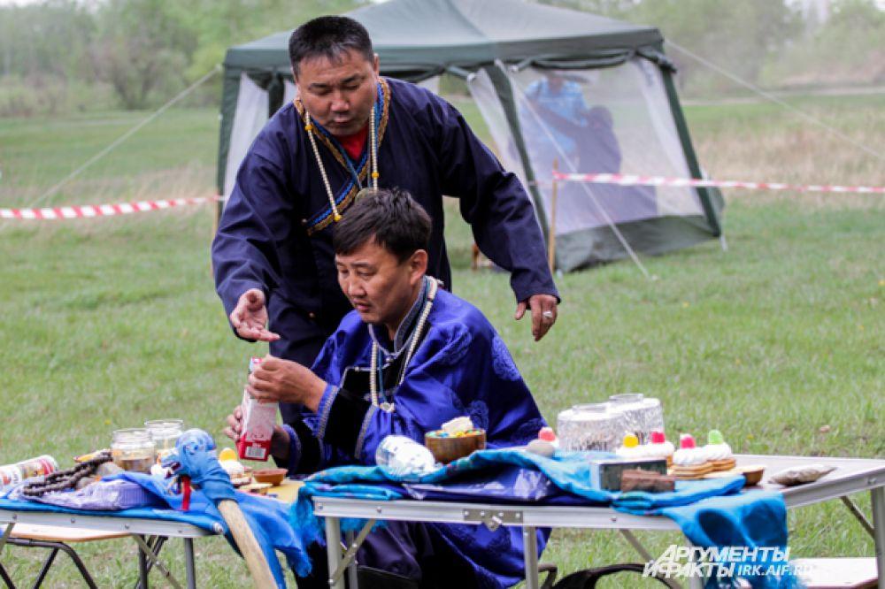 В обрядах шаманов всегда используется бела молочная пища.