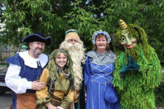 Сказочные герои приглашают кировчан и гостей города на праздник.