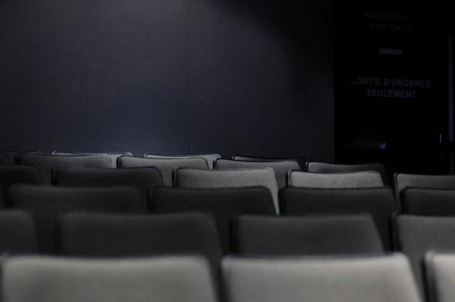 Фестиваль любительских театров будет проходить на сцене районного Дворца культуры.