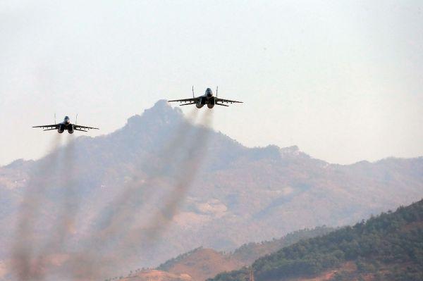 ВВС КНДР являются одними из наиболее многочисленных в мире и имеют на вооружении порядка 1600 летательных аппаратов. Официальная статистика о ВВС КНДР недоступна, поэтому оценки численности самолётов на вооружении являются приблизительными. Основной ударной силой ВВС КНДР являются советские истребители МИГ-29 и СУ-25. По оценкам экспертов, на вооружении армии КНДР числятся 523 истребителя и 80 бомбардировщиков.