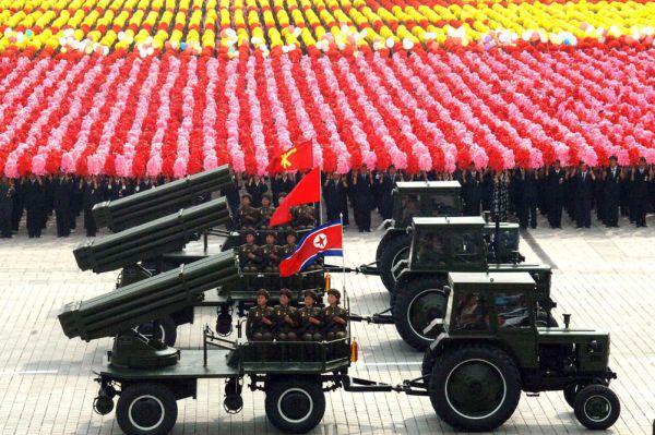 В армии КНДР, по данным южнокорейских СМИ, числится  более 21 тысячи артиллерийских орудий.
