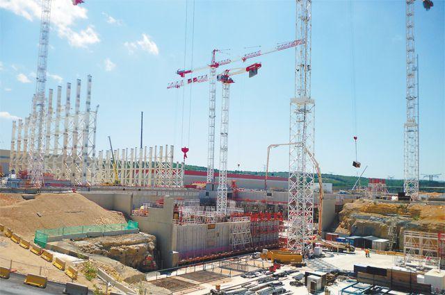 На стройплощадке по соседству с исследовательским центром Кадараш проект обретает реальные черты.