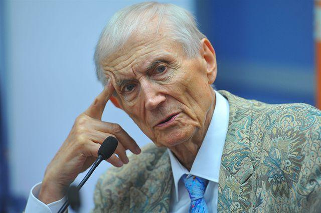 Евгений Евтушенко прочитает омичам стихи.