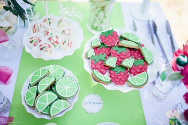 Candy bar на фруктово-ягодной свадьбе.