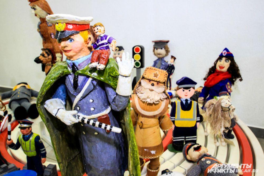 Самые разные игрушки представли на суд жюри участники.