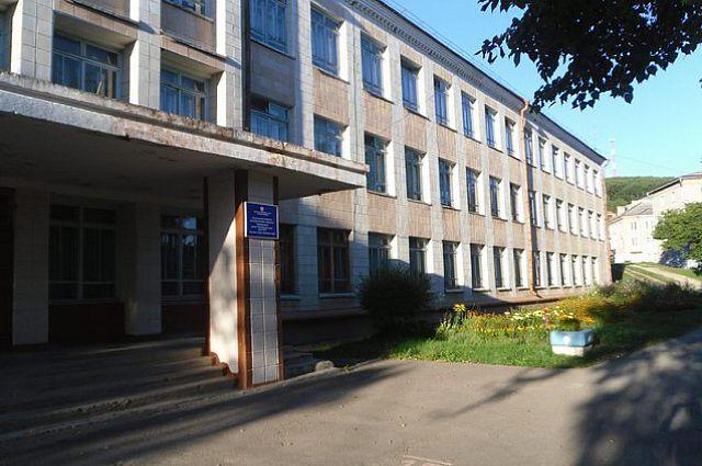 Школа №10 в посёлке Преображение не будет закрыта.