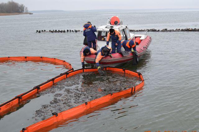 Картинки по запросу ликвидация разливов нефти на море