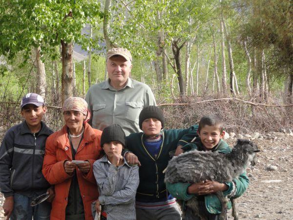 Ваханская долина. С местными жителями