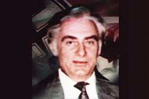 Гельмута Оберландера обвиняют в причастности к гибели более двух миллионов человек, большинство из которых были гражданскими. Оберландер был переводчиком в EK10A – фашистском карательном отряде и отвечал за взаимодействие отряда с местным населением. В 1954 году переехал в Канаду.