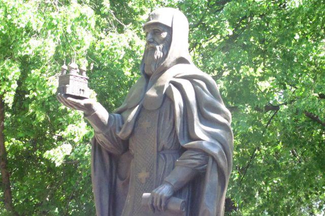Памятник появился на историческом месте.