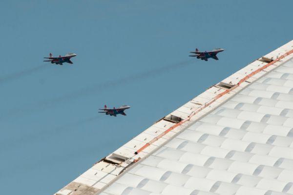 Выступление пилотажной группы «Стрижи» на самолетах МиГ-29.