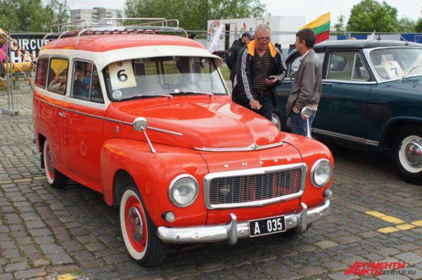 Автомобиль Volvo.