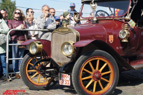 Победитель парада ретроавтомобилей 2015 года.