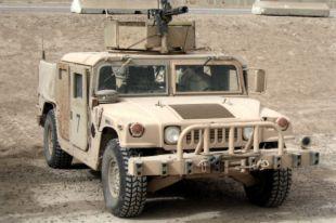 Армия Ирака бросила 2,3 тысячи «Хаммеров» при бегстве из Мосула