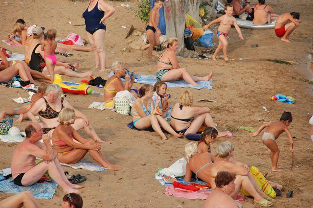 Городской пляж откроют уже через неделю.