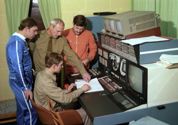 Занятия для космонавтов на «Байконуре». 1987 год.