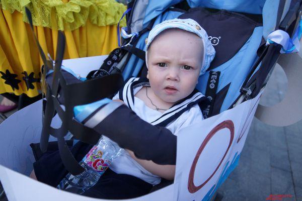 Любой желающий мог принять участие: для этого необходимо было взять с собой на шествие коляску с собственным чадом.