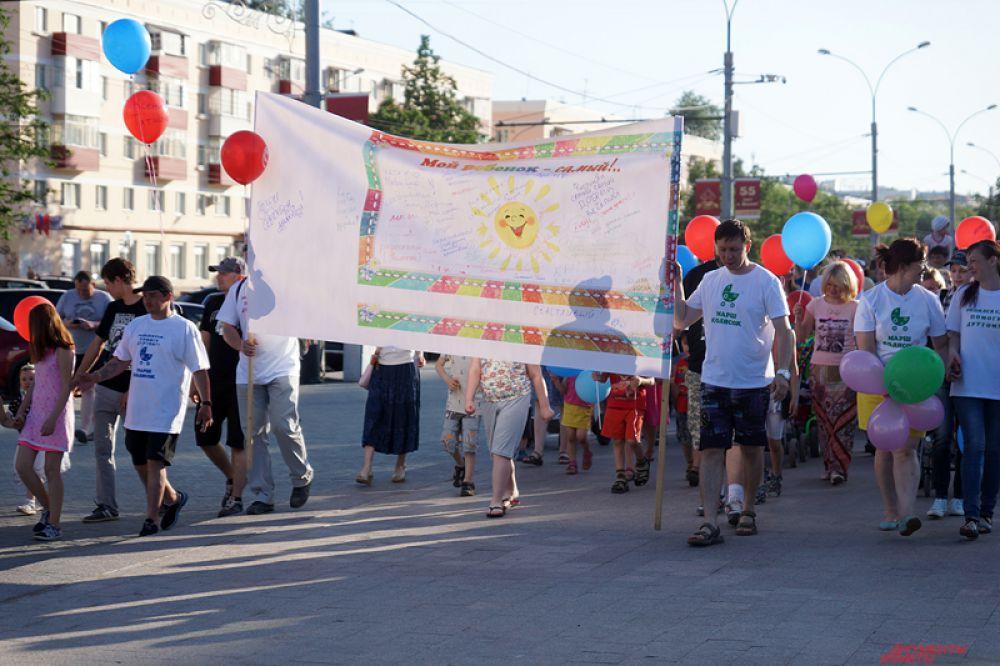 Маршрут «Марша колясок» пролегал по улице Ленина через Попова и обратно к площади.