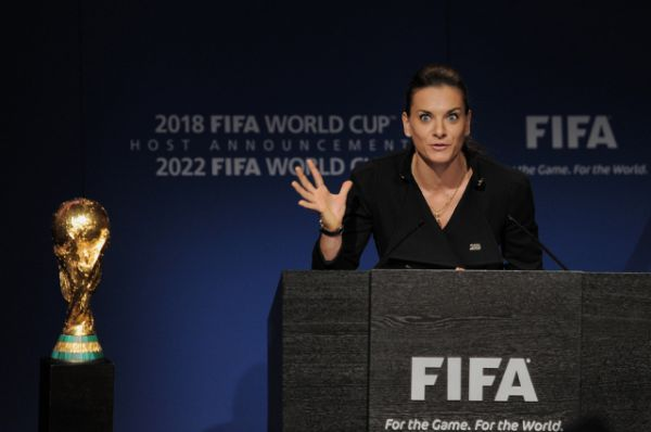 В декабре 2010 года Елена приняла участие в презентации заявки России на проведение футбольного чемпионата мира 2018 года.