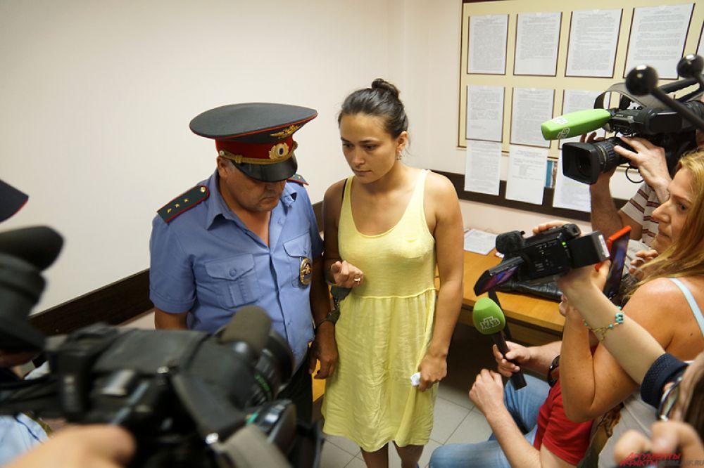 Девушку сразу же атаковали пермские и федеральные журналисты.