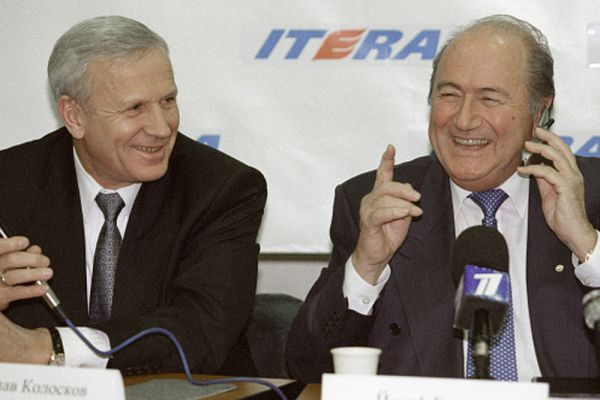 2001 год. Президент РФС Вячеслав Колосков и президент ФИФА Зепп Блаттер.