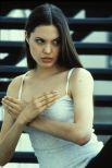 В ранней молодости у Анджелины было множество мимолетных связей и немало любовников. Несмотря на то, что Энджи принадлежала к золотой голливудской молодежи, ее путь к вершинам славы не был простым. Актриса была готова к любым экспериментам, лишь бы закрепиться на экране. Одна из ранних ролей звезды - фильм «Джиа», который был снят для американского телевидения в 1998 году. Передавая характер своего прототипа, Джоли пришлось сниматься полностью обнаженной и играть эротические сцены не только с мужчинами, но и с женщинами.