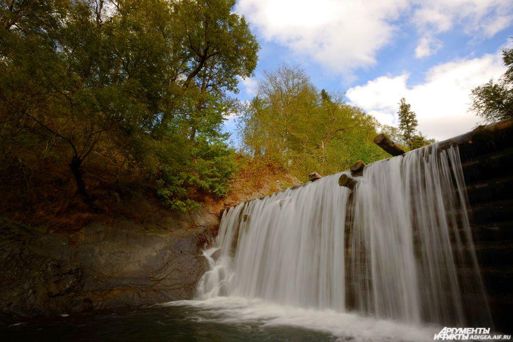 Водопад в Гузерипле.