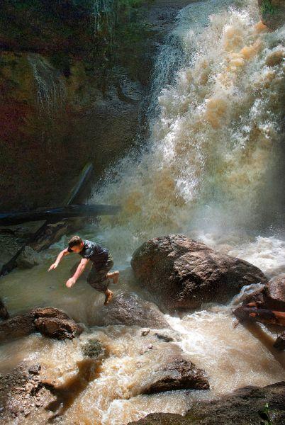 Водопад в ущелье Мешоко.