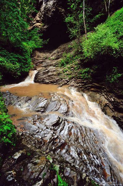 Руфабго. Каскадный водопад.